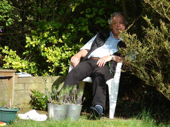 Lazybones, sleepin' in the shade - lyrics by Johnny Mercer and music by Hoagy Carmichael.
